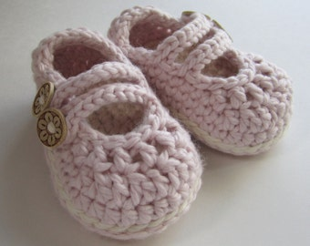 Crochet Baby Booties Mary Janes in Organic cotton You choose Size and Color