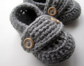 Crochet Baby Booties, Wool Little Button Loafers// many sizes and colors to choose from// Baby shower gift or Pregnancy Announcement