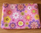 flowers pink dreams----felt med zippy pouch-- handproduced--(ship in 1 day)