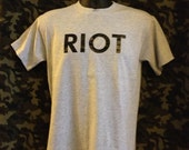 Mac's RIOT tee from It's Always Sunny In Philadelphia - you choose size / style