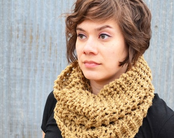 Large Knitted Cowl | light taupe | oversized | warm | knit |trishafern | handmade | soft