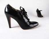 vintage 90's LUMIANI Italy Granny Black Leather Lace Up Grunge Ankle Heel Boots woman's 9 - 9 1/2 M