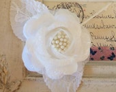 Vintage / Lacy Fabric Single Rose / White / Pearl Like Stamens / Corsage-Brooch / Fascinator
