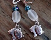Cute Silvertone Kitty Cats Kittens Earrings on Silvertone Leverback Ear Wires with Blue Crystals