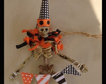 Halloween Decoration Cute Skeleton Trick or Treater Halloween Ornament Halloween Party