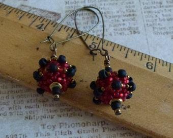 Romantic Red and Black Beaded Bead Earrings