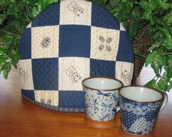 Quilted Teapot Cozy Japanese Lucky Cat Maneki Neko Patchwork Look Design Thermal Lined Fabric