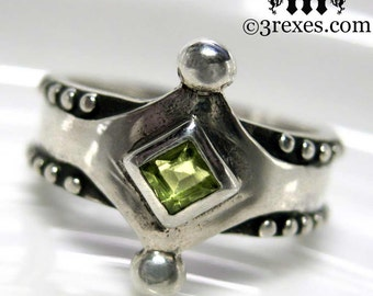 The Majestic Medieval Ring 925 Sterling Silver Green Peridot Size 7
