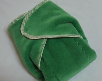 Organic Cotton Winged Prefold-- Kelly Green Cotton Velour