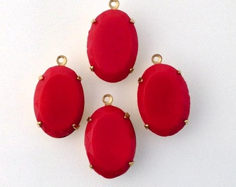 Vintage Opaque Faceted Red Stone in 1 Loop Brass Setting 16x11mm ovl008J