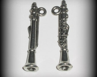 4 Silver Pewter Clarinet Charms, Music Charms (qb90) - New Charm