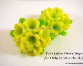 SALE - 2 Lime Green Flower Cabochons Resin Cluster 27x15mm - No Holes - 2 pc - CA2005-LM2-AG