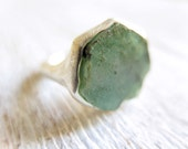 EMERALD // Sterling silver ring with natural Emerald slice - masaoms