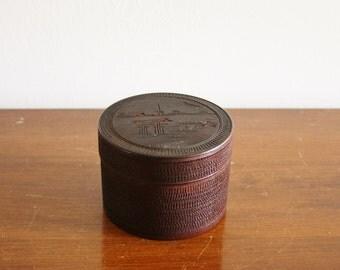 Vintage round wooden box
