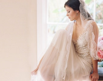 English silk tulle blusher bridal veil, French Chantilly lace -Style Duchesse 1990