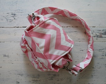 Pink Padded Compact Digital Camera Bag Crossbody Messenger Canon Rebel EOS 55mm Chevron