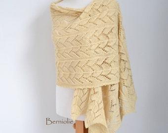 Lace knitted shawl, Soft yellow, Vanilla M135