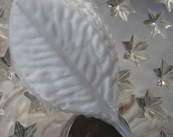 Wholesale Lot Pale Ivory Satin Fabric 84 Millinery Rose Leaves Fancy Embossed 2 Inches Long C52