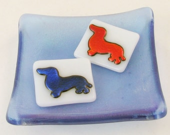 Wiener dog glass pin or pendant - dichroic jewelry - dachshund pin (3008-4730)