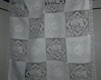 White Rice Linen and Net With Lace Card Tablecloth and 4 Napkins Vintage Unused