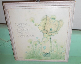 Vintage Betsey Clark Hallmark Wall Plaque Pink wood little girl on picture