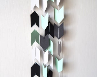 Arrow Garland in Mint Black and Gray
