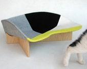 Midcentury pet bed in yellow grey geometric mix
