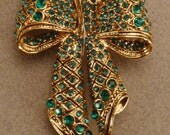 Reserved Art Deco BOW BROOCH Pavee green Rhinestones Goldplated  large Wedding jewelry app 2 3/4 by 1 3/4