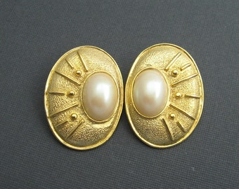Vintage Bold Earrings Paolo Gucci Pearl Jewelry E5651
