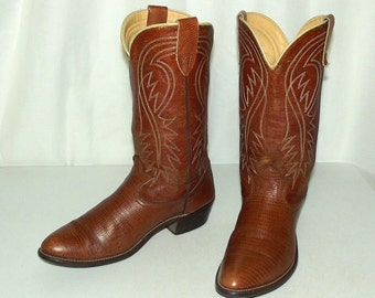 Tan Western style Laredo brand cowboy boots size 8.5 D or womens size 10