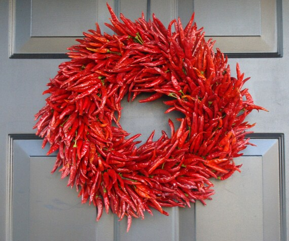 Organic Red Chili Pepper Wreath, Kitchen Wreath Centerpiece, Wall Decor, Housewarming Gift, Herb Wreath, Southwest Decor, 16 inch Shown