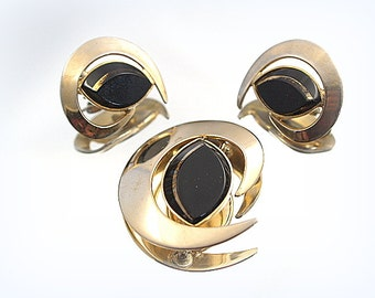 Vintage Sarah Conventry Pendant Earring Demi Parure Set Clip Earrings Broach Pin