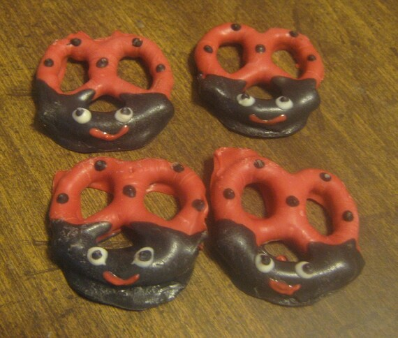 2 dozen ladybug design chocolate covered pretzels party favor