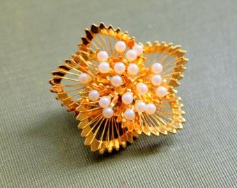 Vintage Brooch MONET Signed Gold Tone Pearl Flower