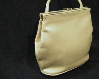 GIANI Bernini Genuine  leather bag  pEARL finish and Soft smooth feel Great Handbag  Nice and Clean On Clearance  SaLe Now