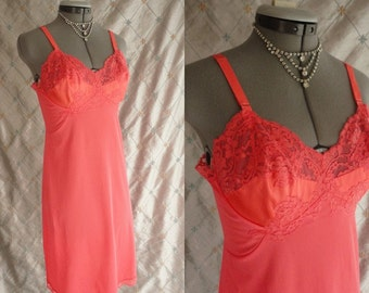 50s 60s Lingerie // Vintage 1950s 1960s Coral Pink Slip with Satin and Lace Bust by Gossard Artemis 34 Ave