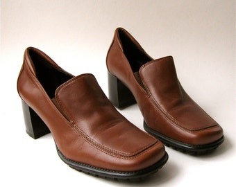 90s vintage Aerosoles Brown Leather Chunky Heel Loafers