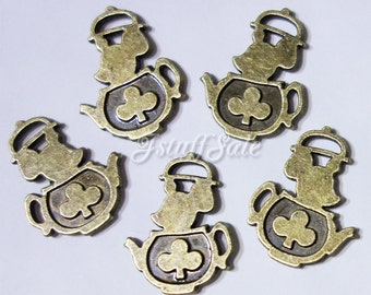 Teapot Mouse - 5 pcs Alice in Wonderland theme charms pendants Antique bronze