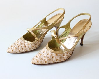 Gold Shoes / Gold High Heels / 1960s Shoes / Pumps / Size 6.5  / Gold Flecks