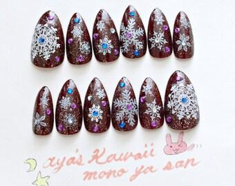 Snowflakes, pointy nail, Japanese nail art, glittery, egl, gothic lolita, winter nail art, stiletto nail, gyaru, snow, simple nail,