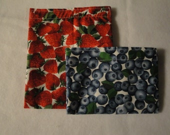 Berries - Eco-Friendly Reusable Sandwich and Snack Bag Set - Go Green