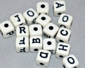 300 Destashed 10 mm plastic/acrylic letter beads