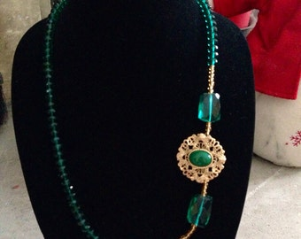 Emerald green vintage and beaded necklace