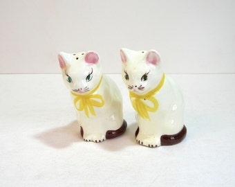 Cat Salt And Pepper Shakers, Vintage Stoneware