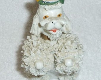 Vintage White Spaghetti Poodle Dog Figurine Green Hat Tam JAPAN 1950s