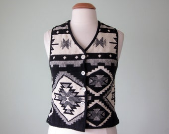 80s vest / black & white native american print woven sleeveless top blouse (xs - s)
