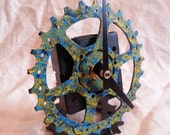 recycled bike gear desk clock, blue and yellow mottling