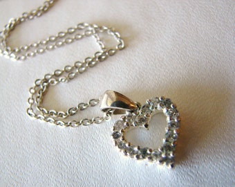 Vintage silver and rhinestone heart necklace (S23)