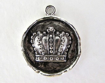 Antiqued Silver Ox Crown Medallion Charm Pendant Pewter Drop Nunn Design 24mm chm0249 (1)