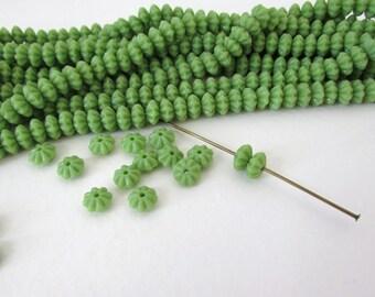 Vintage Czech Glass Flower Beads Retro Green Spacer Rondelle 6mm vgb0820 (30)